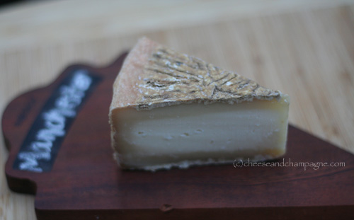 Consider Bardwell Manchester cheese | cheeseandchampagne.com
